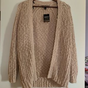 Brand New w/ Tags Forever 21 Pinky Cream Cardigan